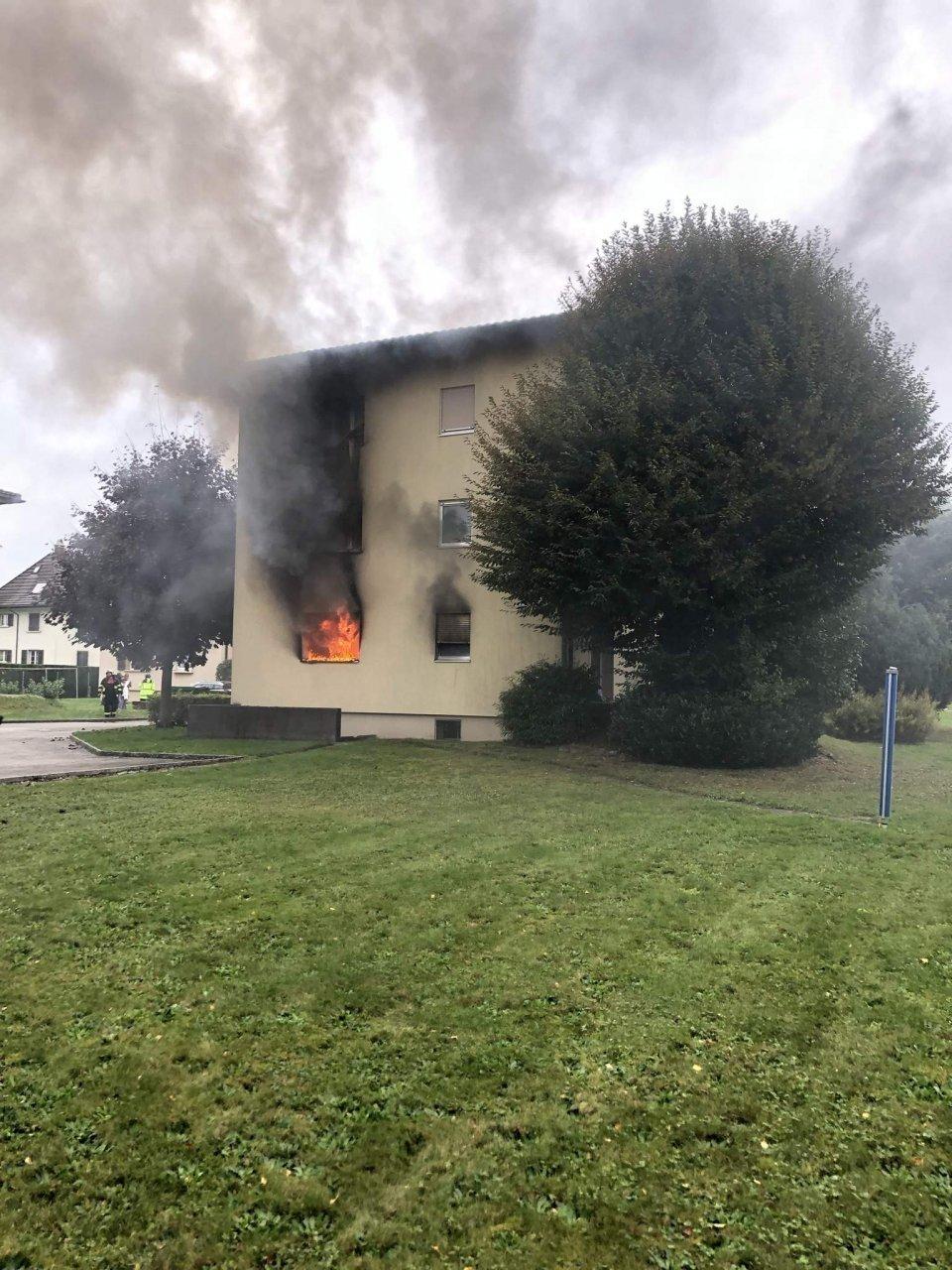 edificio-in-fiamme,-quattro-persone-all'ospedale