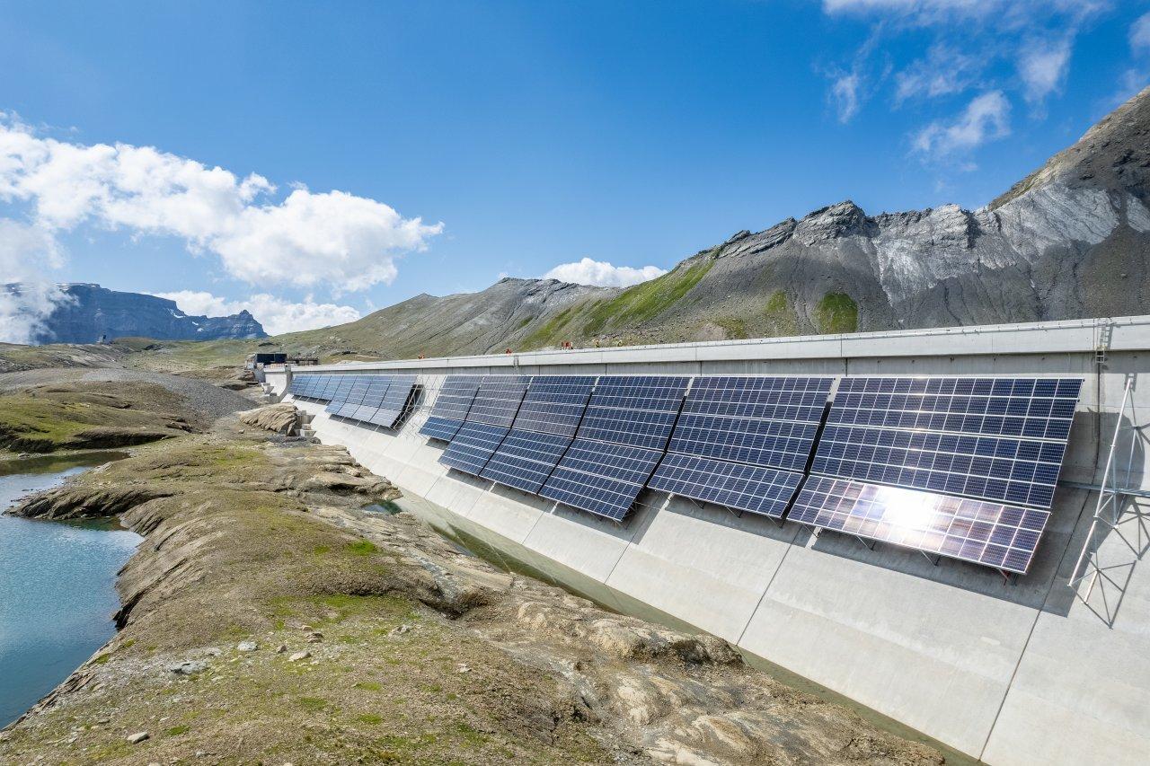 la-piu-grande-centrale-fotovoltaica-alpina-e-operativa