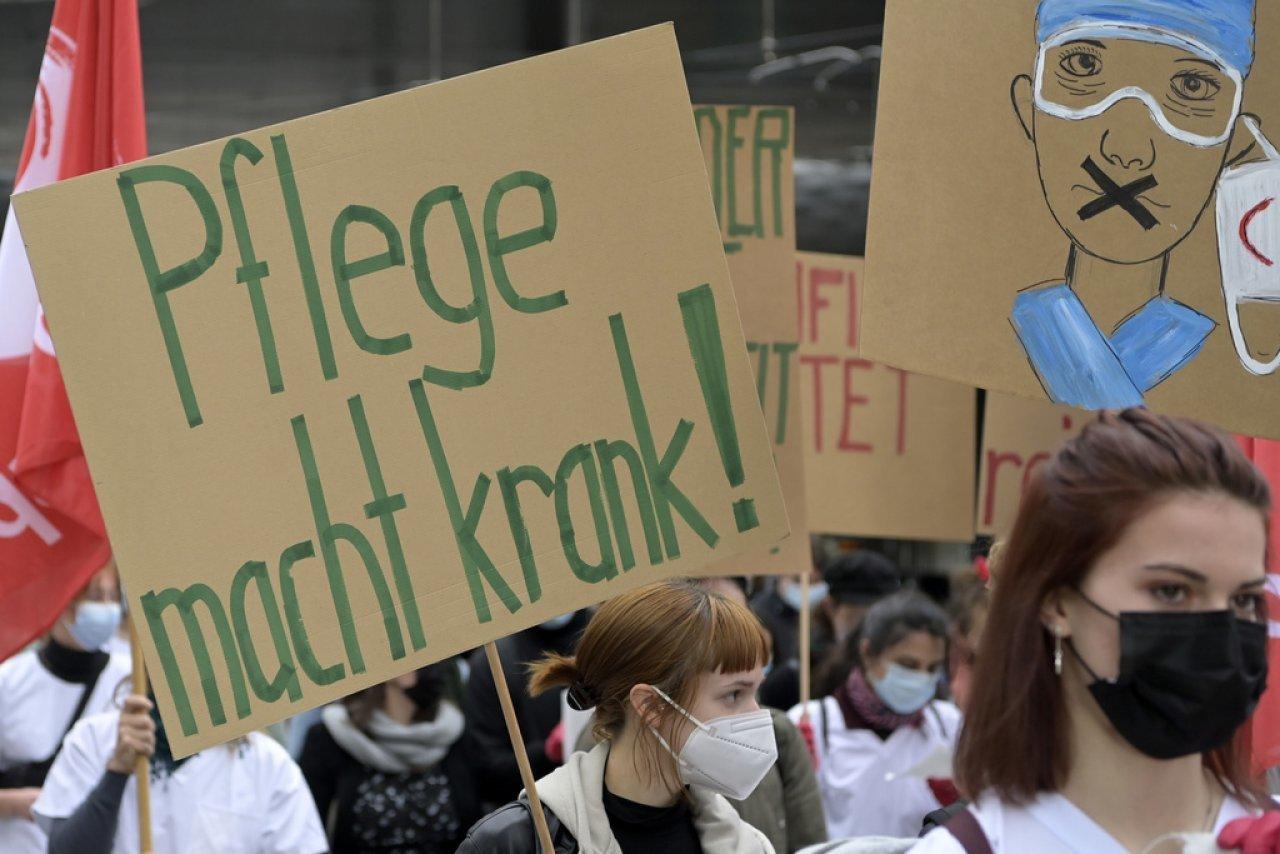 oltre-1'000-manifestanti-contro-le-misure-anti-covid
