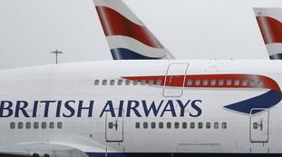 """""""diversita"""".-delirio-di-british-airways-in-nome-del-politicamente-corretto:-le-hostess-costrette-a-questo"""
