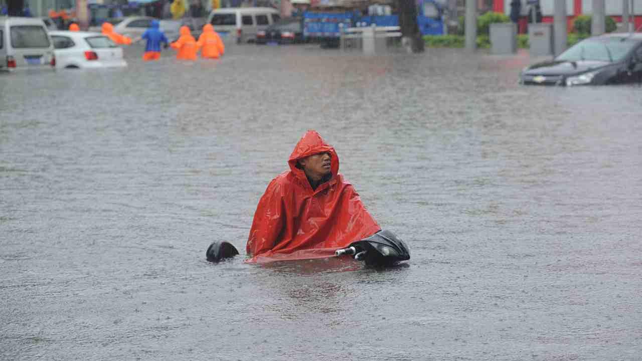 in-cina-2-milioni-di-sfollati-a-causa-delle-inondazioni