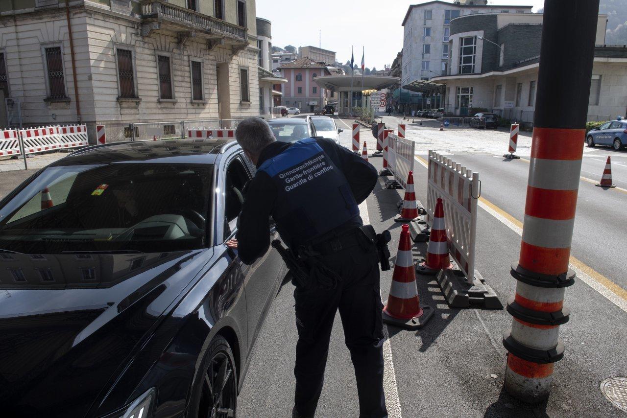 230-viaggiatori-multati-perche-non-testati